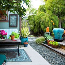 chic-backyard-outdoor-living-area-0211-l